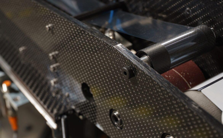 dettaglio componente in carbonio progetti speciali graphimecc
